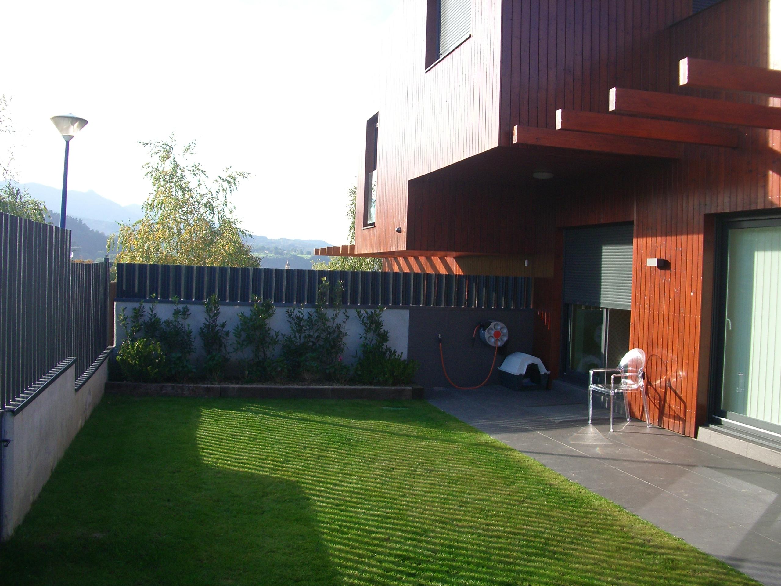 Casas canadienses en espaa simple foto exterior de casas for Casas de madera canadienses