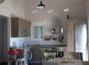 cocina en casa de madera imágenes