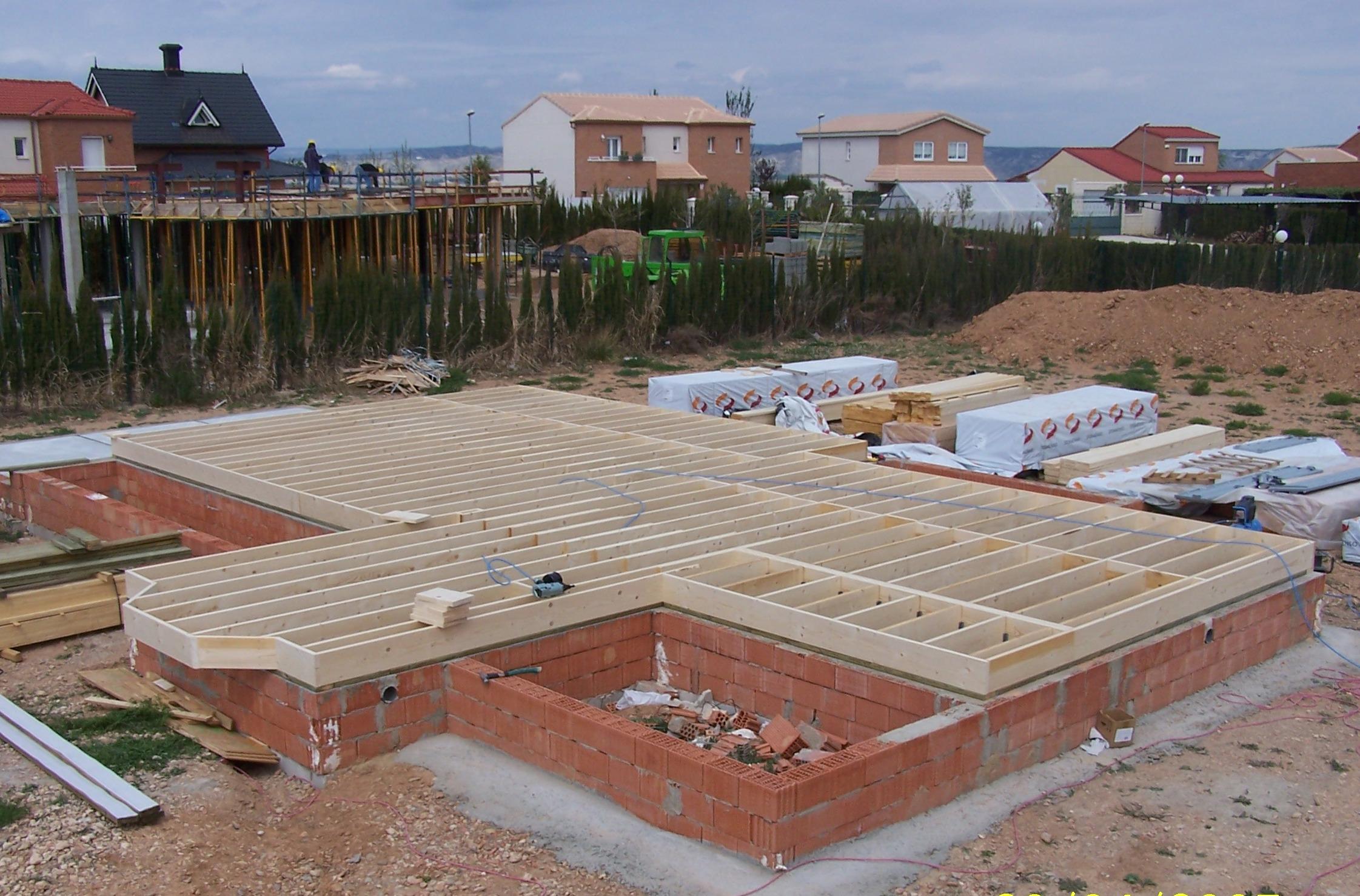 Forjados de madera laminada elegant madera laminada - Casas de madera laminada ...